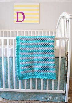 Woohoo, we're on the final installment of my pattern and photo step-by-step tutorial to make this sweet little granny stripe baby blanket! I'm glad we've made it this far. I'm not going to lie to you,