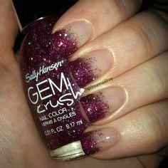 Glitter gradient tips by @breannaabree