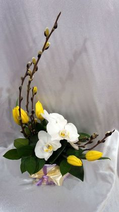 55 trendy flowers arrangements ideas tropical Flowers would be the main items that is Ikebana Arrangements, Creative Flower Arrangements, Tropical Flower Arrangements, Flower Arrangement Designs, Ikebana Flower Arrangement, Beautiful Flower Arrangements, Beautiful Flowers, Tropical Flowers, Beautiful Pictures