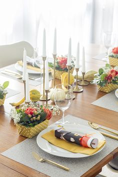 How To Style A Modern Thanksgiving Tablescape | Dream Green DIY