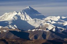 Everest, Chomolungma in Tibetan, Sagarmatha in Nepali, also known as Mount Everest is a mountain in the Himalayas on the border between Nepal (Sagarmatha) and China (Tibet).