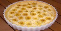 Prăjitura cu banane este un desert fenomenal! Aromată și aspectuoasă, delicioasă și fragedă, această prăjitură deosebităse prepară foarte rapid și simplu. Surprineți-vă prietenii cu un desert delicat și apetisant! Să pornim la treabă! Echipa Bucătarul.tv vă dorește poftă bună alături de cei dragi!  Autor text: Bucătarul.tv Printare