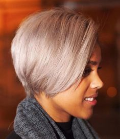 Sleek Ash Blonde Pixie Bob Hairstyles for black women know no boundaries. Anyone can go blonde, but it really is about finding that perfect hue that complements you. Try an ash blonde to really make a statement. Blonde Pixie, Afro Blonde, Blonde Hair, Pixie Bob Hairstyles, Short Black Hairstyles, Short Hair Cuts, Short Hair Styles, Hairstyles 2016, Quick Hairstyles
