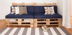 DIY: une banquette avec des palettes de bois | Décormag Diy Pallet Couch, Diy Couch, Diy Pallet Furniture, Home Furniture, Decoration Palette, Palette Furniture, Pallet Designs, Wood Interiors, Home Projects