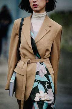 Paris Fashion Week's Street Style Stars Are Politely Ignoring the City's Freezing Temperatures Photos | W Magazine