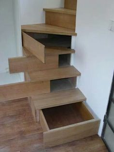 This is a neat option for extra storage. I think this would also be a great way to add storage in our fifth wheel camper. Those 'empty' steps just as well be a place to store tools, etc. Just have to decide which opening would be the best.