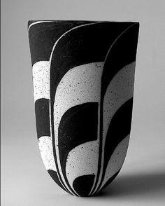 John Ward, ceramics - Google Search Ceramic Cups, Ceramic Pottery, Pottery Art, John Ward, Keramik Design, Japanese Pottery, Stone Mosaic, Contemporary Ceramics, Ceramic Artists