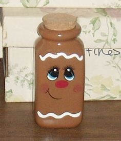 Gingerbread bottle, I think so Gingerbread Man Crafts, Gingerbread Ornaments, Gingerbread Decorations, Christmas Gingerbread, Painted Wine Bottles, Painted Jars, Wine Bottle Crafts, Mason Jar Crafts, Christmas Projects