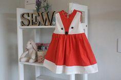 Aprenda a costurar um vestido infantil cheio de charme e estilo. O molde é básico e acompanha vídeo aula com o passo a passo.