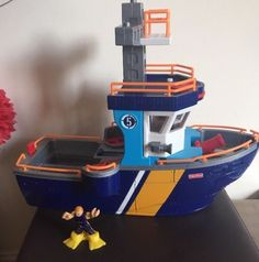Fisher Price Imaginext Ocean Rescue Boat including one Figure - Coast Guard   eBay