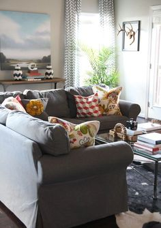The ellen dream house family room possible kid friendly for Kid friendly sectional sofa