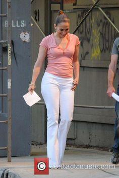 Slacks Outfit, Wide Leg Jeans, Jennifer Lopez, Flare Jeans, Bell Bottoms, Casual Looks, White Jeans, Women Wear, Celebs