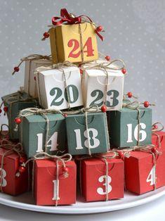 Adventní krabičkový kalendář Advent Calendar, Gift Wrapping, Holiday Decor, Winter, Gifts, Home Decor, Gift Wrapping Paper, Winter Time, Presents