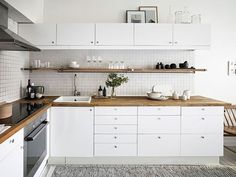Contemporary style kitchen designs are among the methods to go. You do not require a complicated kitchen so it will be stick out, just some unique designs that can make your kitchen area the envy of the neighbors. Farmhouse Kitchen Decor, Home Decor Kitchen, Kitchen Furniture, Home Kitchens, Furniture Stores, Kitchen Craft, Furniture Buyers, Smart Kitchen, Furniture Websites