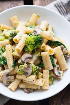 One Pot Pasta Primavera. You only need 15 minutes, one pot and 9 Ingredients - kochkarussell.com