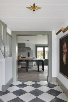 Design by Tom House. Black and white checkered floors Home Living, My Living Room, Living Spaces, Flur Design, Design Design, Design Ideas, Checkerboard Floor, Checkered Floors, Checkered Floor Kitchen