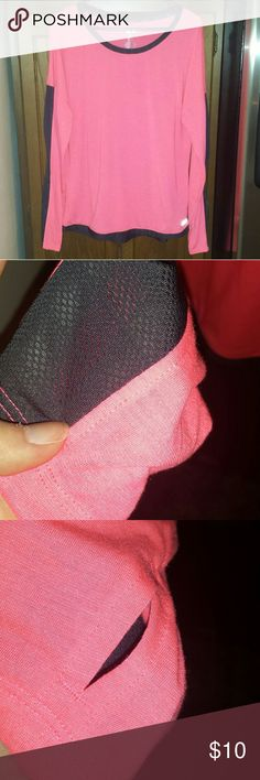 NEW Avia coral black long sleeve workout shirt Avia size XL coral and black long sleeve workout shirt Mesh accents down sleeves  Has thumb holes NEW never worn! Super cute! Avia Tops Tees - Long Sleeve