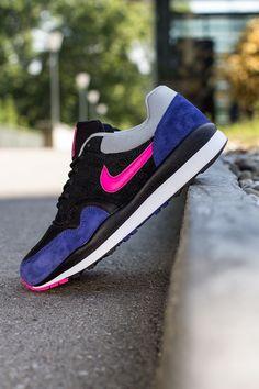 Nike Air Safari   Deep Royal Blue & Pink Foil