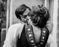 Marcello Mastroianni & Sophia Loren in Ieri, Oggi, Domani (1963)