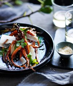 Roast carrots with honey, sesame and parmesan