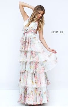 Sherri Hill dresses are designer gowns for television and film stars. Find out why her prom dresses and couture dresses are the choice of young Hollywood. Gorgeous Prom Dresses, Prom Dresses 2016, Cute Prom Dresses, Long Prom Gowns, Designer Prom Dresses, Pageant Gowns, Mermaid Dresses, Beautiful Gowns, Prom 2016