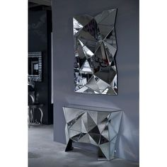 Pyramid Multifaceted Mirror and table Kare Design, Round Hanging Mirror, Spiegel Design, Overmantle Mirror, Entry Way Design, Acrylic Mirror, Mirror Mirror, Design Moderne, Display Design