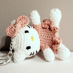 Key - Hello Kitty / Amigurumi Hello Kitty / Szydełkowa Hello Kitty / kot #cat #amigurumi #amigurumis #hello #kitty #szydełkowanie #crochet