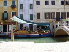 GUIDE: Venice - Top 8 bridges with the most unusual names Unusual Names, Small Island, Lake Como, Venetian, Bridges, Morocco, Venice, Egypt, Festive