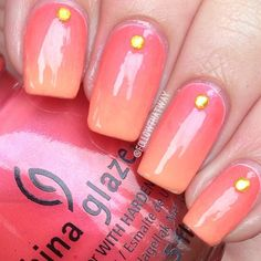 Peach and Coral gradient with yellow gem nail art Pink Ombre Nails, Gradient Nails, Orange Nails, Gem Nails, Hair And Nails, Nail Time, Nail Candy, Best Acrylic Nails, Coral