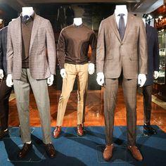ブルックス ブラザーズゴールデン フリース発表金羊毛のシャンデリアを限定展示