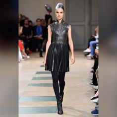 See all the looks from the collection Fashion 2017, Fashion News, Fashion Dresses, Paris Fashion, Azzedine Alaia, Autumn Winter Fashion, Fall Winter, Ideias Fashion, Cool Outfits