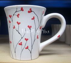 mug art Quick, easy and fun! Painted Coffee Mugs, Hand Painted Mugs, Painted Cups, Sharpie Crafts, Diy Sharpie Mug, Pottery Painting Designs, Pottery Painting Ideas Easy, Sharpie Mug Designs, Diy Becher