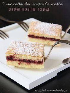 New post on papaserra My Recipes, Sweet Recipes, Dessert Recipes, Italian Desserts, Italian Recipes, Cake Calories, Torte Cake, Something Sweet, Dessert Bars