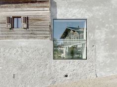 Image 2 of 20 from gallery of Reynard/Rossi-Udry House / Savioz Fabrizzi Architectes. Photograph by Thomas Jantscher Amazing Architecture, Contemporary Architecture, Architecture Details, Alpine Modern, Concrete Coatings, Timber Structure, Exposed Concrete, Farmhouse Remodel, Construction