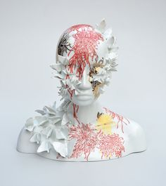 French contemporary artist Juliette Clovis is merging humanity and nature with female hybrid creatures made with porcelain sculpture. Memento Mori, Contemporary Ceramics, Contemporary Artists, Joseph Cornell, 3d Figures, Colossal Art, Porcelain Jewelry, Porcelain Ceramics, Porcelain Doll