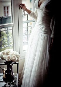 beautiful dress, love the neckline