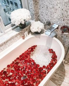 Unexpected Ways Of Using Mid-Century Lighting In Your Bathroom! Spiritual Bath, Dream Bath, Bathroom Goals, Relaxing Bath, Amazing Cars, Amazing Places, Spa Day, Me Time, Bath Time