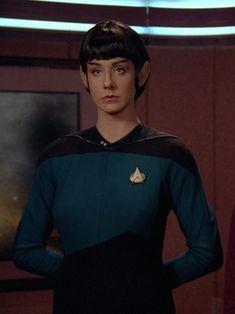 "Women of ""Star Trek - The Next Generation"" : Dr. Selar played by Suzie Plakson Star Trek Rpg, Star Trek Cast, Star Trek 1966, Star Trek Series, Star Wars, Star Trek Characters, Female Characters, Aliens, Star Trek Gifts"