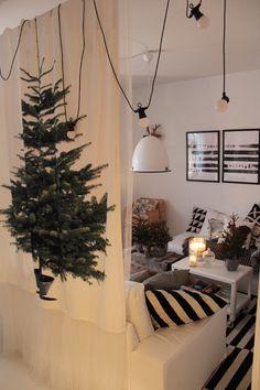 fabric room divider looks nice and soft Ikea Christmas Tree, Modern Christmas, Christmas Diy, Christmas Decorations, Holiday Decor, Ikea Tree, Fabric Room Dividers, Display Window, Christmas Arrangements