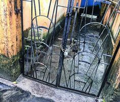 """Miscreants lock Mayors house gate   Siliguri mayor Asok Bhattacharya CPM woke up yesterday morning to find the main gate of his house fastened with an aluminium chain and a new lock from outside.  """"I was surprised to find a new lock at the gate. I spoke to family members who said they had not put any such lock. It is clear that some outsiders have put this lock to harass me and my family. I have lodged a complaint"""" said Bhattacharya.  As the news spread CPM leaders including the party's…"""