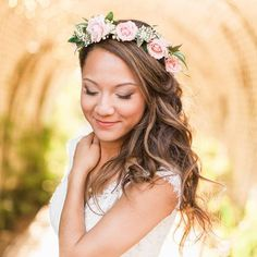 """@VeilOfGrace posted to Instagram: I still am absolutely smitten with bridal flower crowns.  I'm too old to keep up with the trends anymore; so if you're reading this and thinking, """"this is so 2018."""" Who cares!  It's your day, do what makes you feel beautiful.   You should be the queen, it is your wedding day after all!  To book your bridal beauty trial now, contact us through the link in our bio.  We can't wait to help you become the radiant bride of your dreams!  VEIL OF GRACE BRIDAL…"""