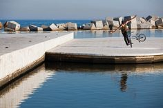 Matthias Dandois - Flatland - Swimming Platform in Barcelona Bmx Street, Barcelona, Swimming, Adventure, World, Mtb, Platform, Photography, Action