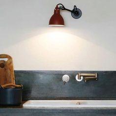 N°304 - Applique interrupteur Rouge & Noir L17cm DCW Editions