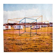 33 vind-ik-leuks, 2 reacties - Rossanne Pellegrino (@rossannepellegrinophotography) op Instagram: 'Holiday! Embroidery on 1960s Polaroid . . . . . #caravan #holiday #geometric #mixedmedia #blue…'