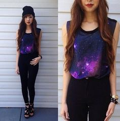 Galaxy muscle cut tee + black high-waisted skinny jeans + beanie