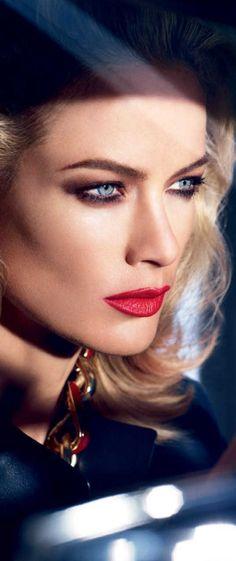 Such beautiful eyes. Beautiful Lips, Beautiful Lingerie, Beautiful People, Beautiful Women, Beauty Makeup, Hair Makeup, Claudia S, Carolyn Murphy, Provocateur
