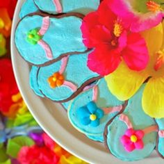 Flip-flop butter cookies are a perfect addition to a Hawaiian themed birthday party!