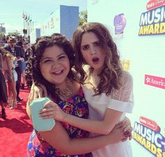 Laura Marano and Raini Rodriguez pose at the RDMAs Raini Rodriguez, Amazing Songs, Laura Marano, Austin And Ally, Disney Music, Disney Stars, Music Awards, Role Models, Actors & Actresses