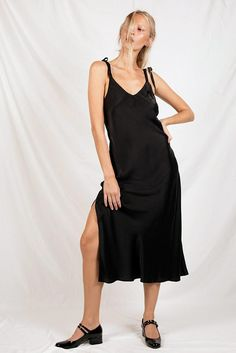 d85f587d7f8 TIE SHOULDER DRESS BLACK