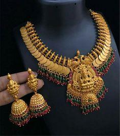 Stunning Diy Ideas Rustic Jewelry Holder jewelry p Gold Jewellery Design, Gold Jewelry, Dainty Jewelry, Jewelry Knots, Leather Jewelry, Gold Necklace, Gucci Jewelry, Teen Jewelry, Resin Jewellery